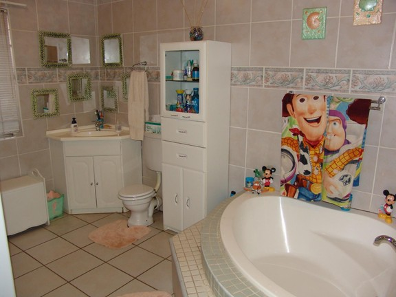House in Thatch Haven - Bathroom 2