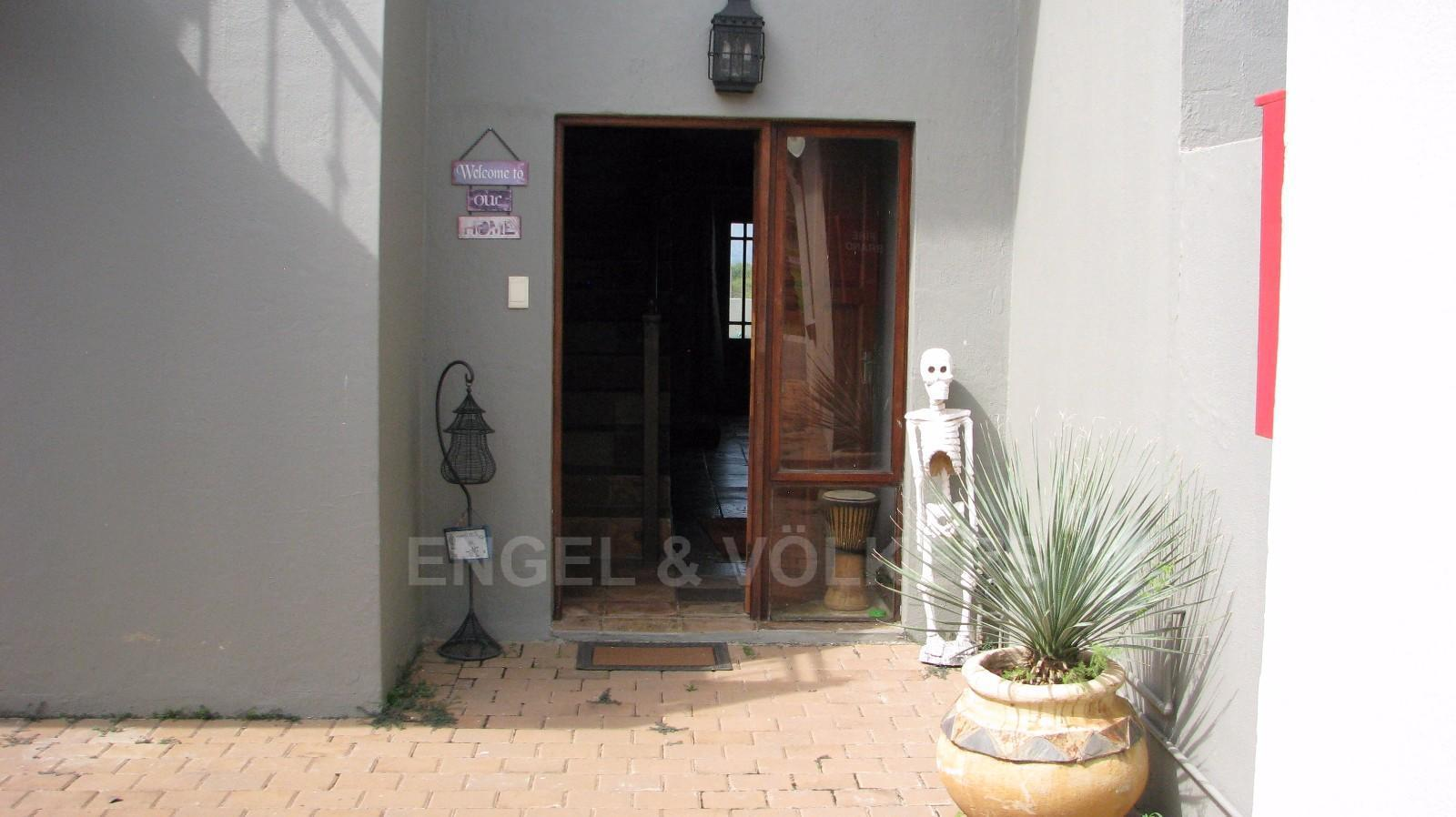 House in Melodie - Entrance to Property