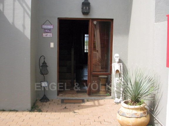 Apartment in Melodie - Entrance to Property