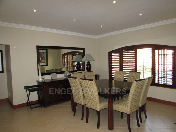 House in Uvongo - 005 Dining room.JPG