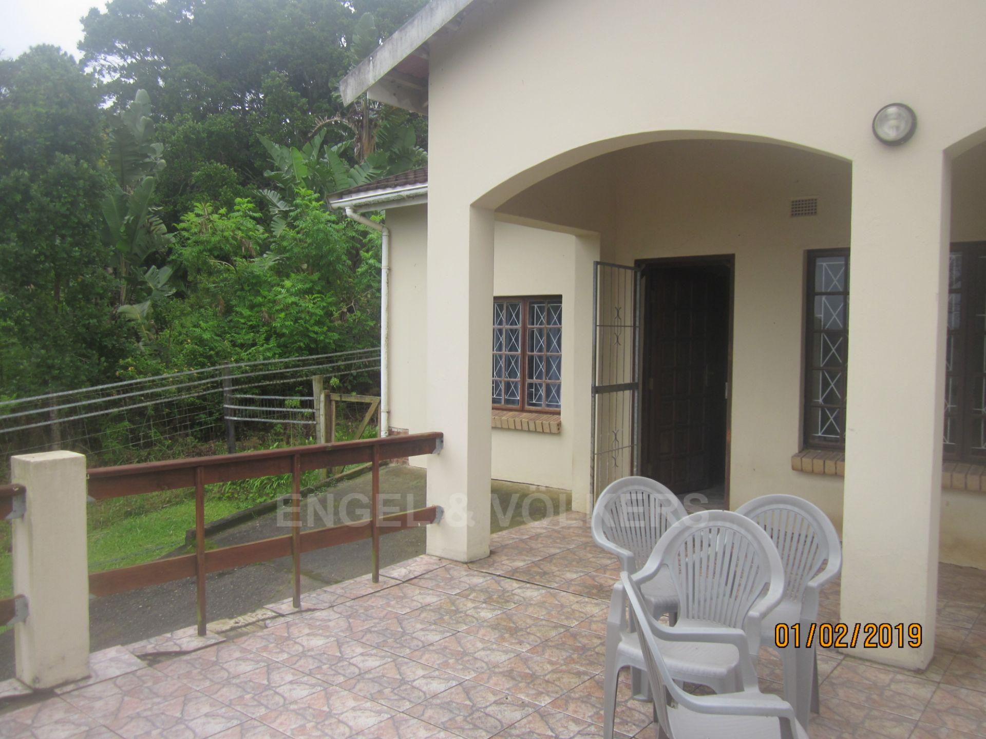 House in Palm Beach - 002 Patio and front door.JPG