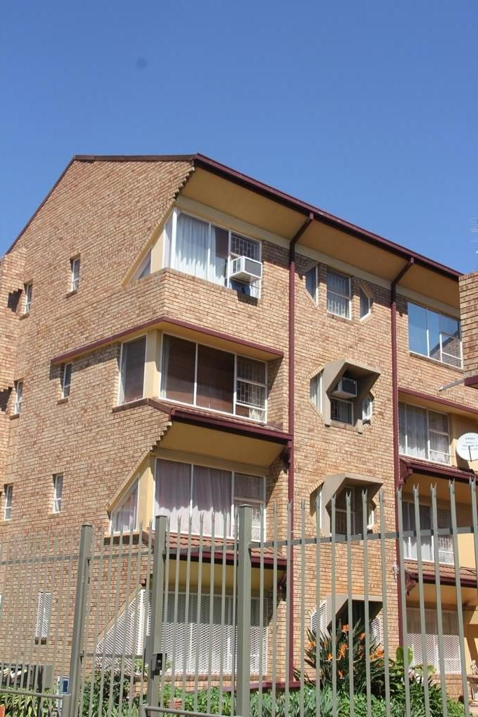 Apartment in Central - 946269_large.jpg