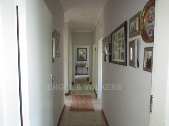 House in Southbroom - 008 Passage.JPG