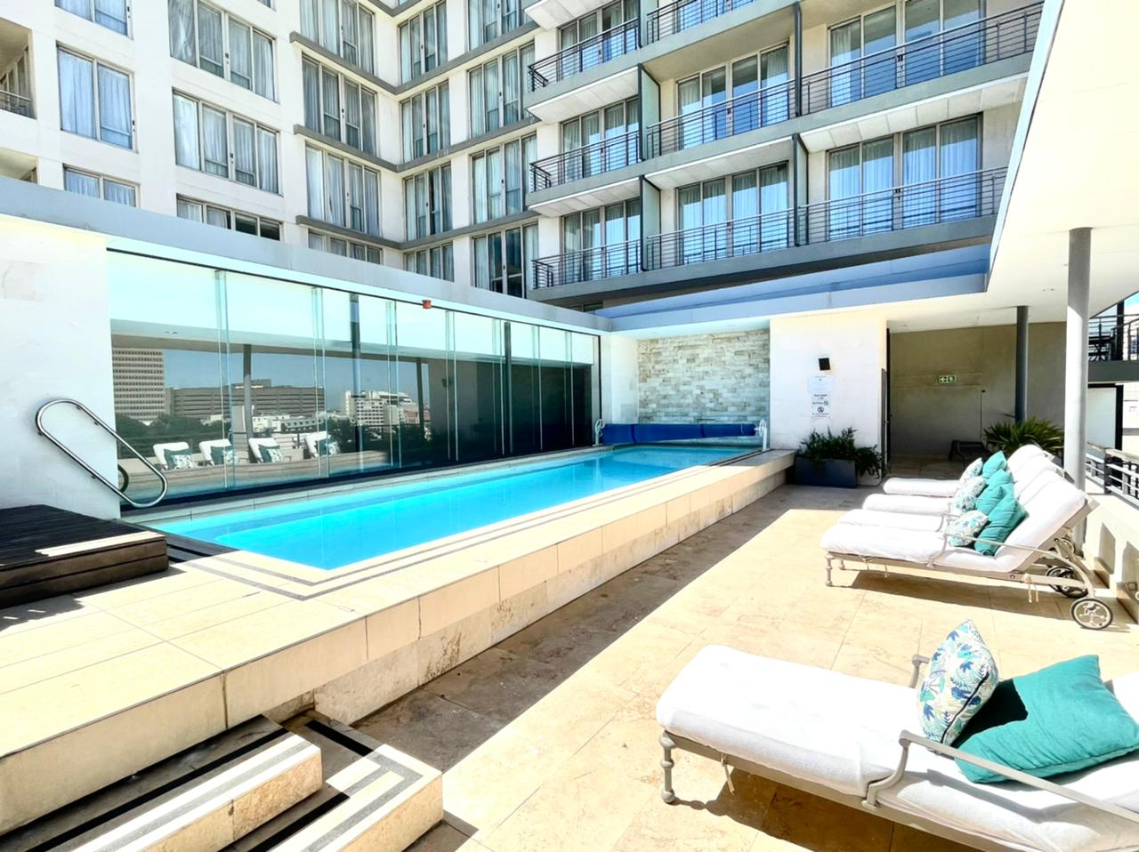 Apartment in City Centre - Pool.jpeg