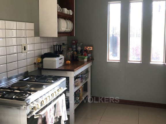 House in Doringkloof - Exquisite country kitchen with gas stove.JPG