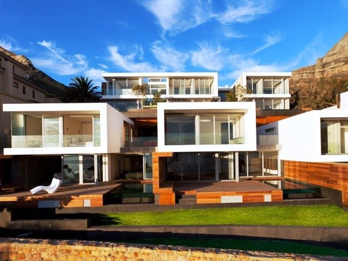 Apartment in Camps Bay - Exterior Of Apartment