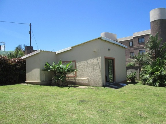 House in Uvongo - 014 Flatlet