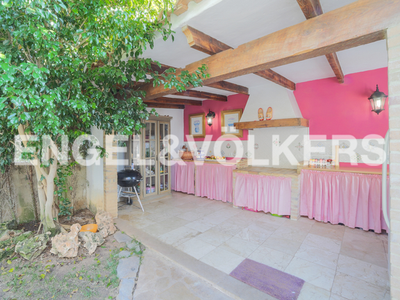 House in Nueva Santa Bárbara - Outside kitchen with fireplace