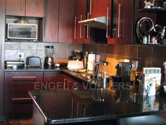 House in Melodie - Granite kitchen tops with