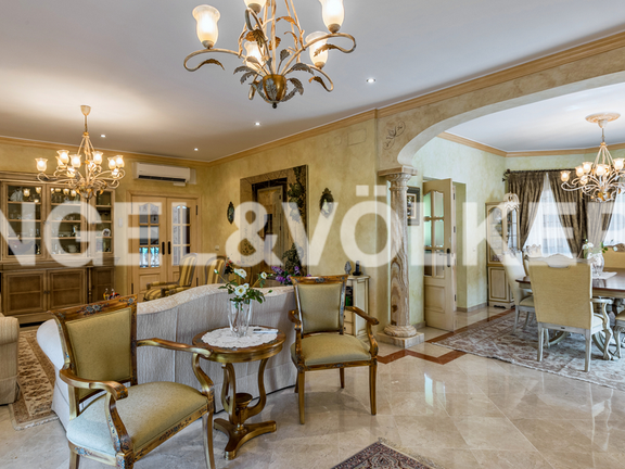 House in Altos Reales - Living-Dining Room