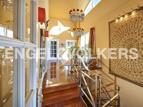 House in Antiguo - Splendid stairs and hall