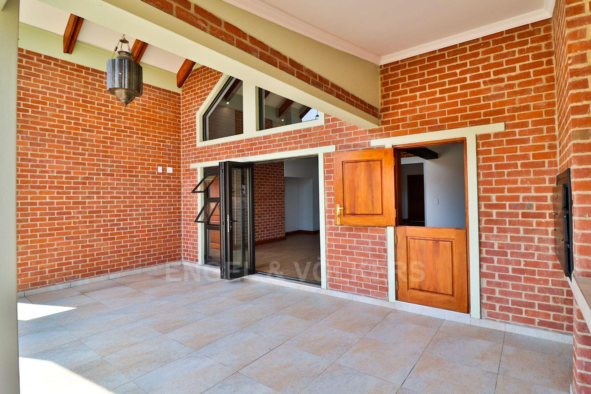 House in Landsmeer - Large outside entertainment area