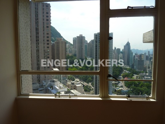 Apartment in Mid Level Central - ST. JOAN COURT 勝宗大廈