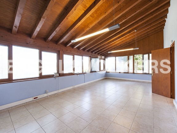 House in Jaizubia - Offices