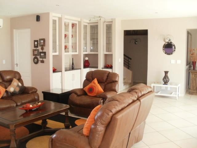 House in Melodie A/h - Lounge