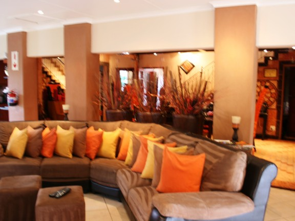 House in Phalaborwa & surrounds - Lounge