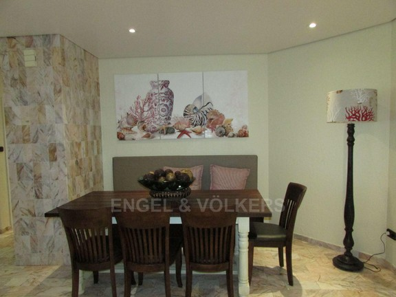 Apartment in Uvongo - 005 Dining Room.JPG