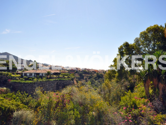 Plot for sale in Cascada de Camoján Marbella