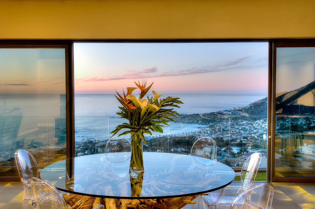 House in Camps Bay - Penthouse Lounge 02.jpg