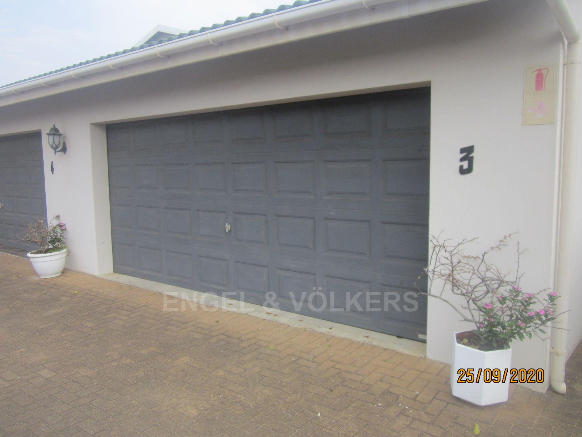 Apartment in Shelly Beach - Double garage