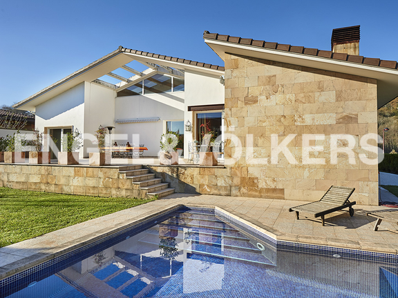 House in Antiguo - Relaxation area with swimming pool and garden