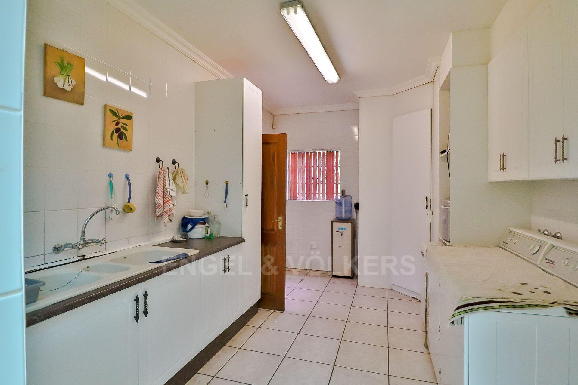 House in Ifafi - Spacious scullery
