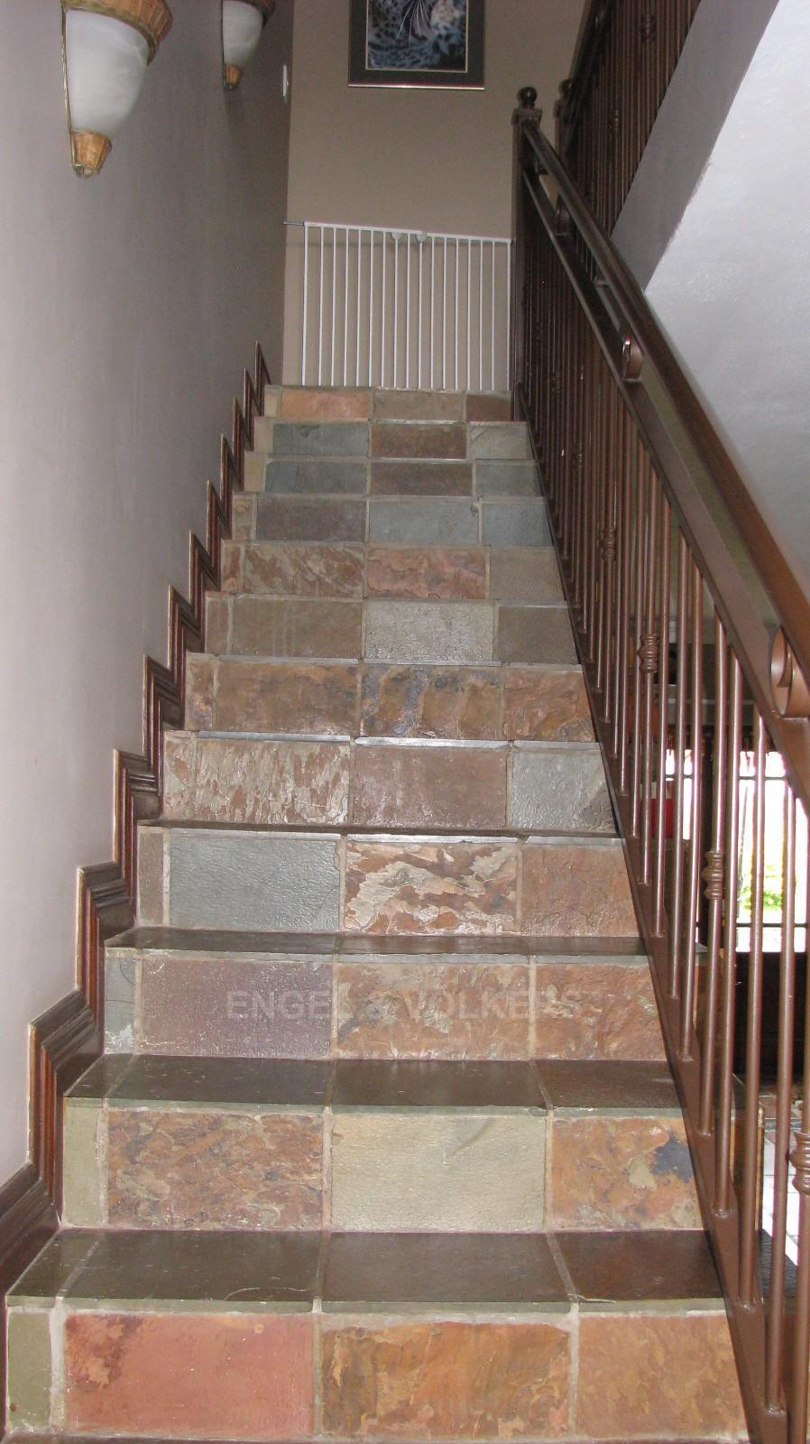 House in Melodie - Stairs to the air conditioned bedrooms