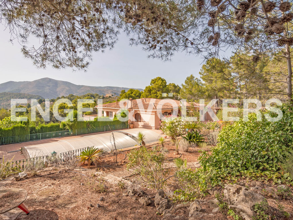 House in Surroundings - Beautiful Finca with Breathtaking Panoramic Views in Llíber