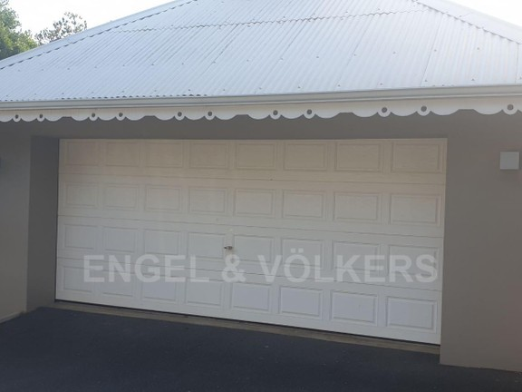 House in Port Edward - 021 - Double Garage.jpg