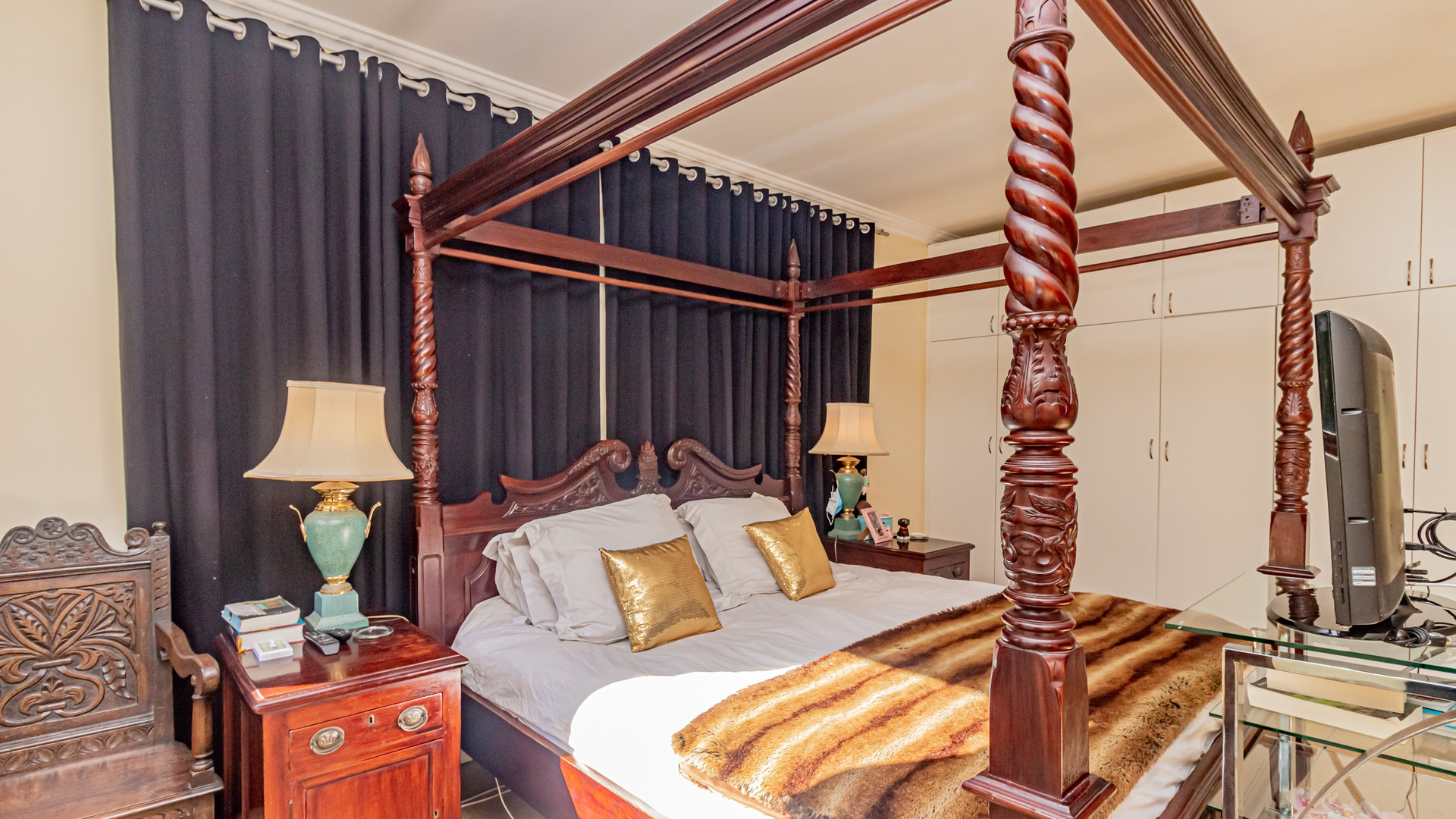House in Hout Bay - Bedroom 1