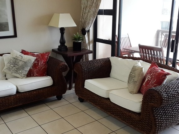 Apartment in Uvongo - 005 Lounge