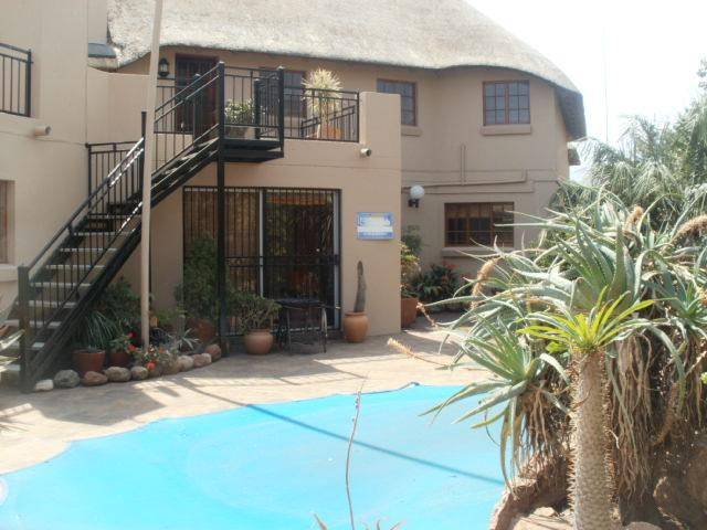 House in Melodie - Swimming Pool Area