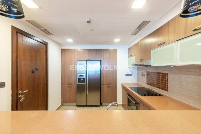 Apartment in Marina Residence 3