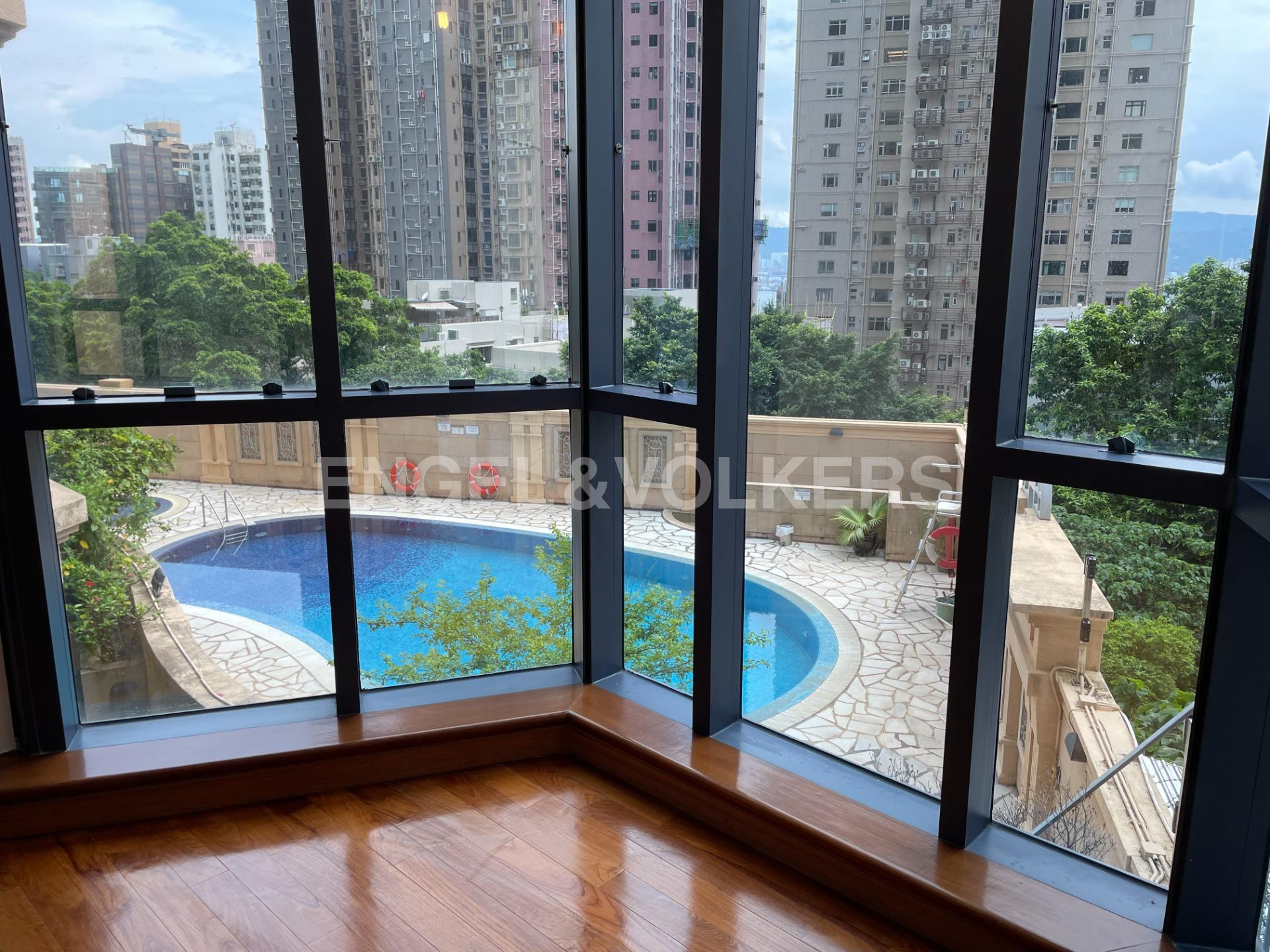 Apartment in Mid Level West / Pok Fu Lam - HADDON COURT 海天閣
