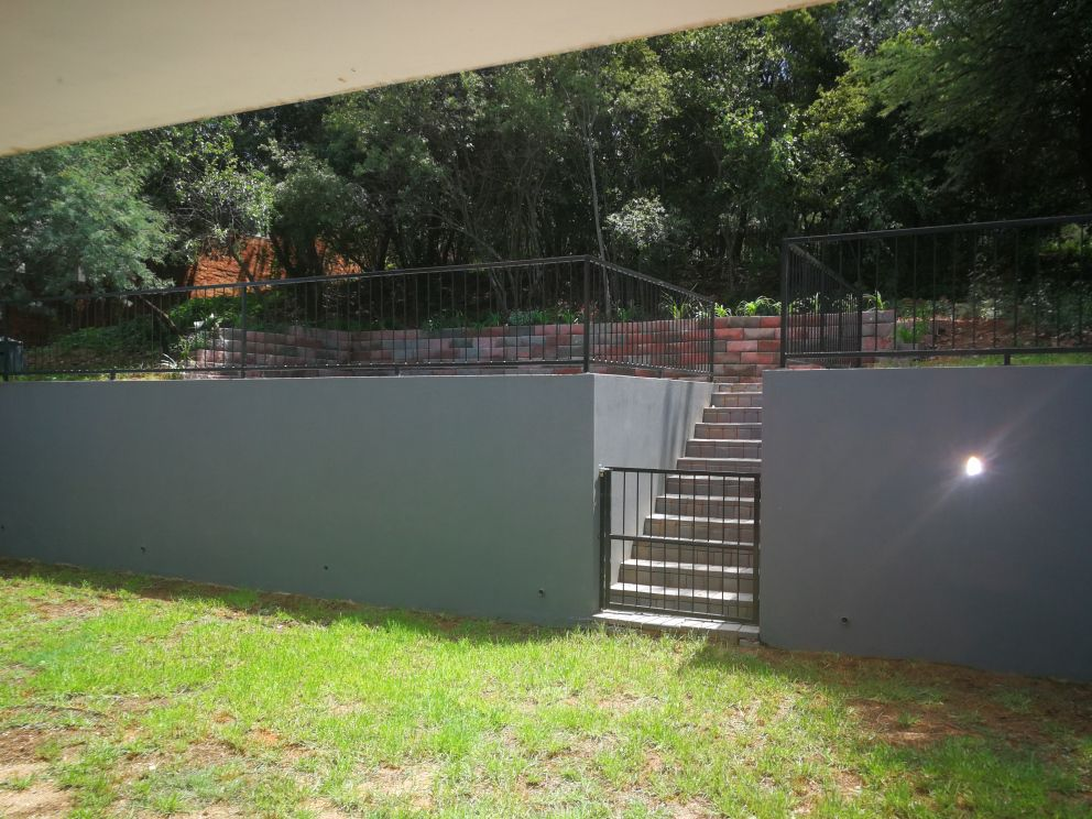 House in Xanadu Eco Park - Leading to sparkling pool
