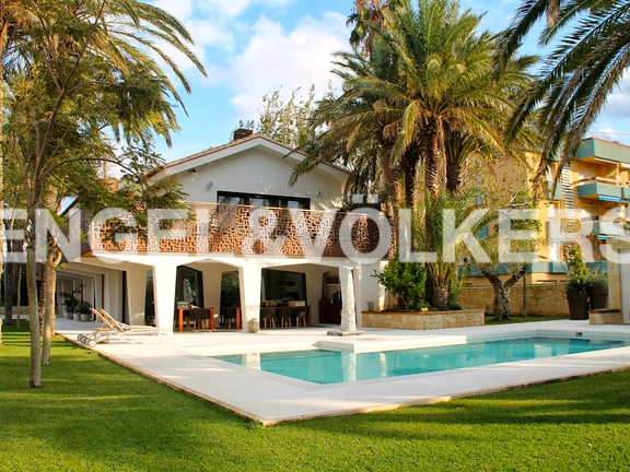 Luxury villa in Denia. Exterior view