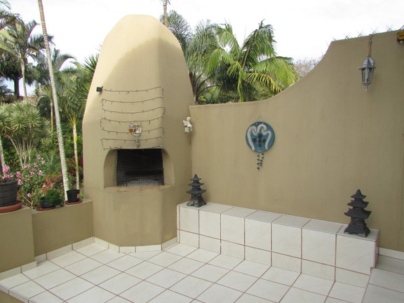 Condominium in Uvongo - 012 Built In Braai