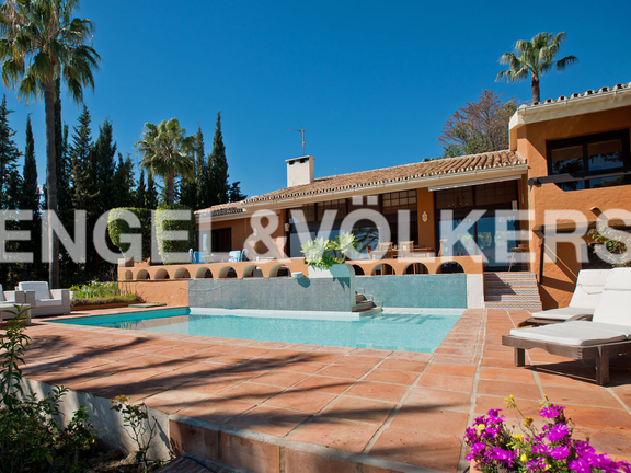 Villa for sale in La Capellanía Marbella Hill Club