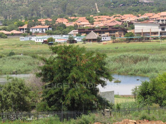 Apartment in Xanadu Eco Park - Wetland view with over 240 birds