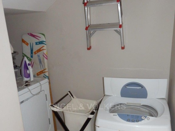 Condominium in Uvongo - 018_Laundry.JPG