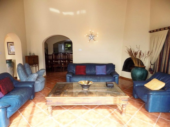 House in Santareme - Spacious lounge