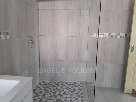 House in Xanadu Eco Park - Spacious shower