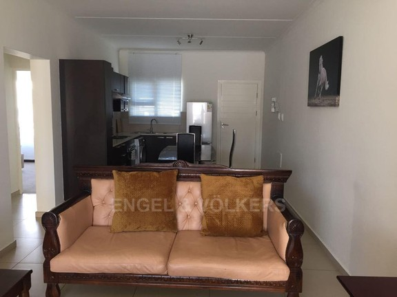 Apartment in Dainfern - Open Plan Lounge/ Dining Room/ Kitchen