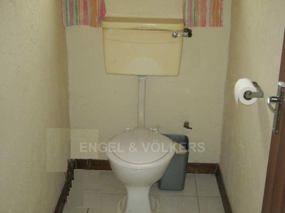 House in Trafalgar - 013_Toilet_2.JPG