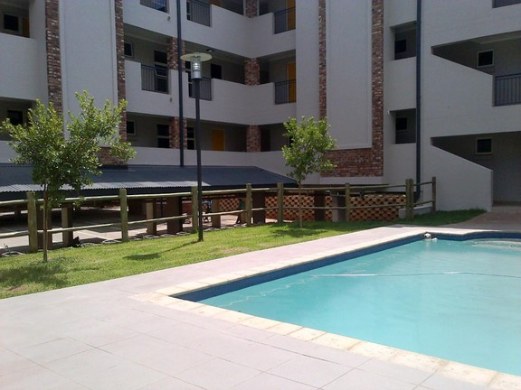 Apartment in Van Der Hoff Park - swimming pool