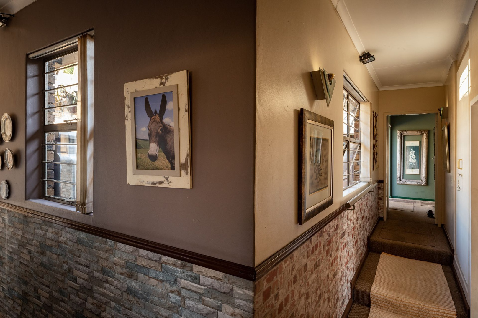 House in Monument Park Ext - Why not your own art gallary in the light airy hall?