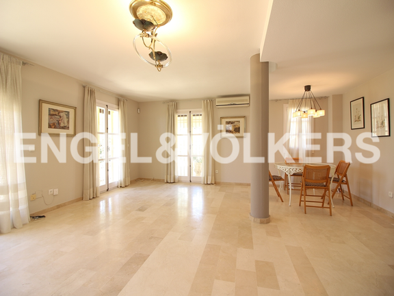 House in Finestrat - Excellent house with plot and views. Living room