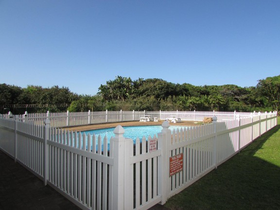 Condominium in Shelly Beach - 011_2nd_Swimming_Pool.JPG