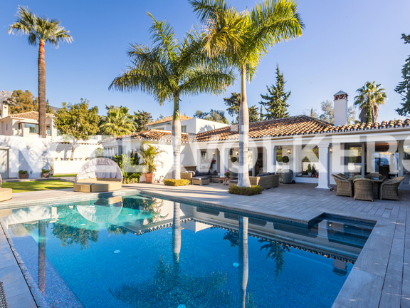 Villa for sale in Marbella Club