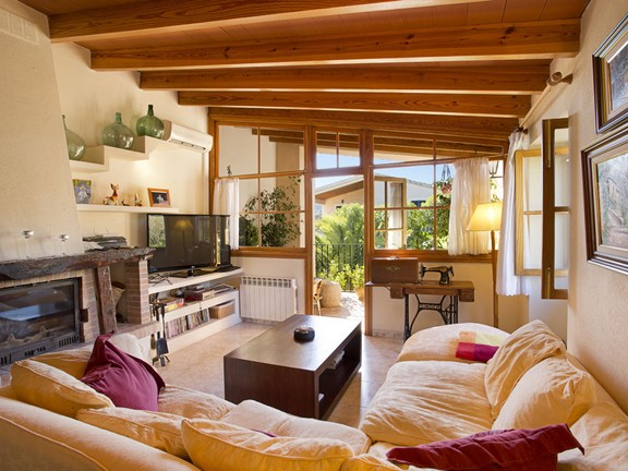 House in Capdella - Charismatic country home in sought after area